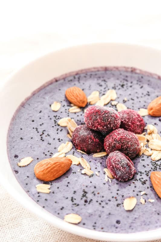 blueberry smoothie bowls