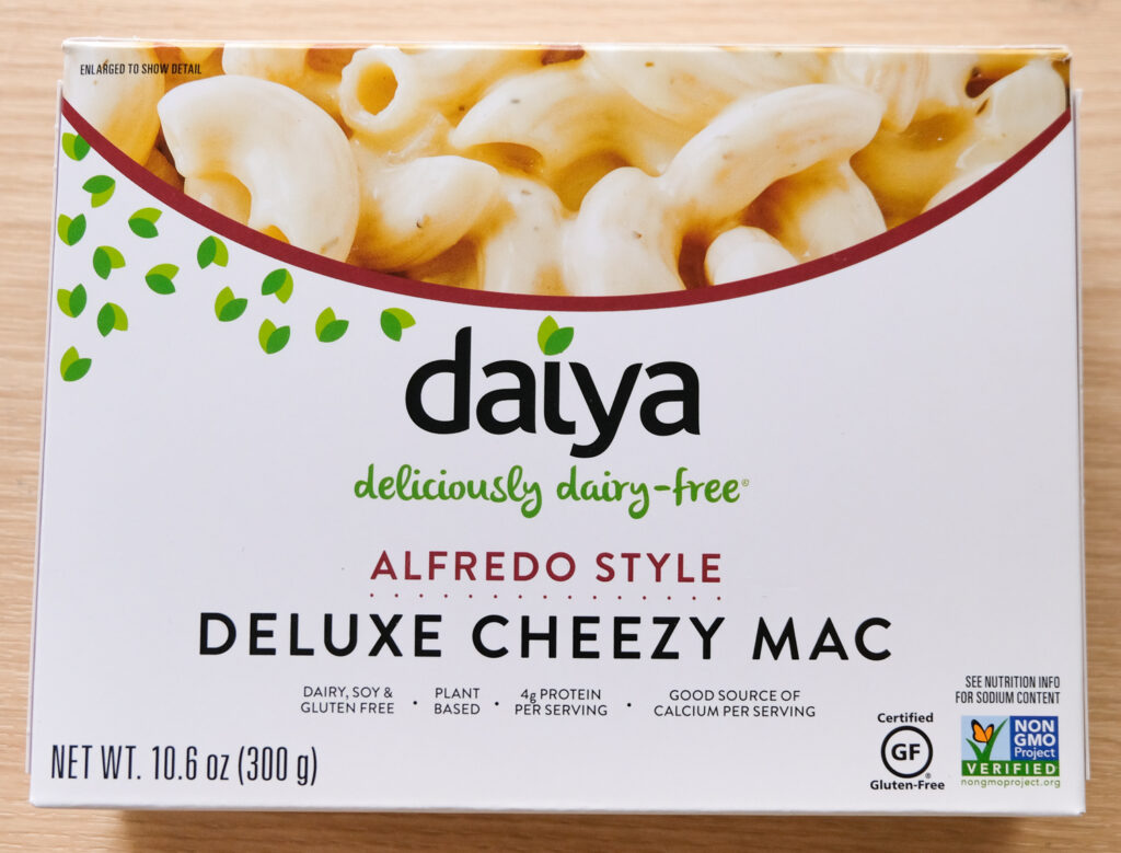 Daiya Alfredo Style Deluxe Cheezy Mac Box (horizontal orientation)