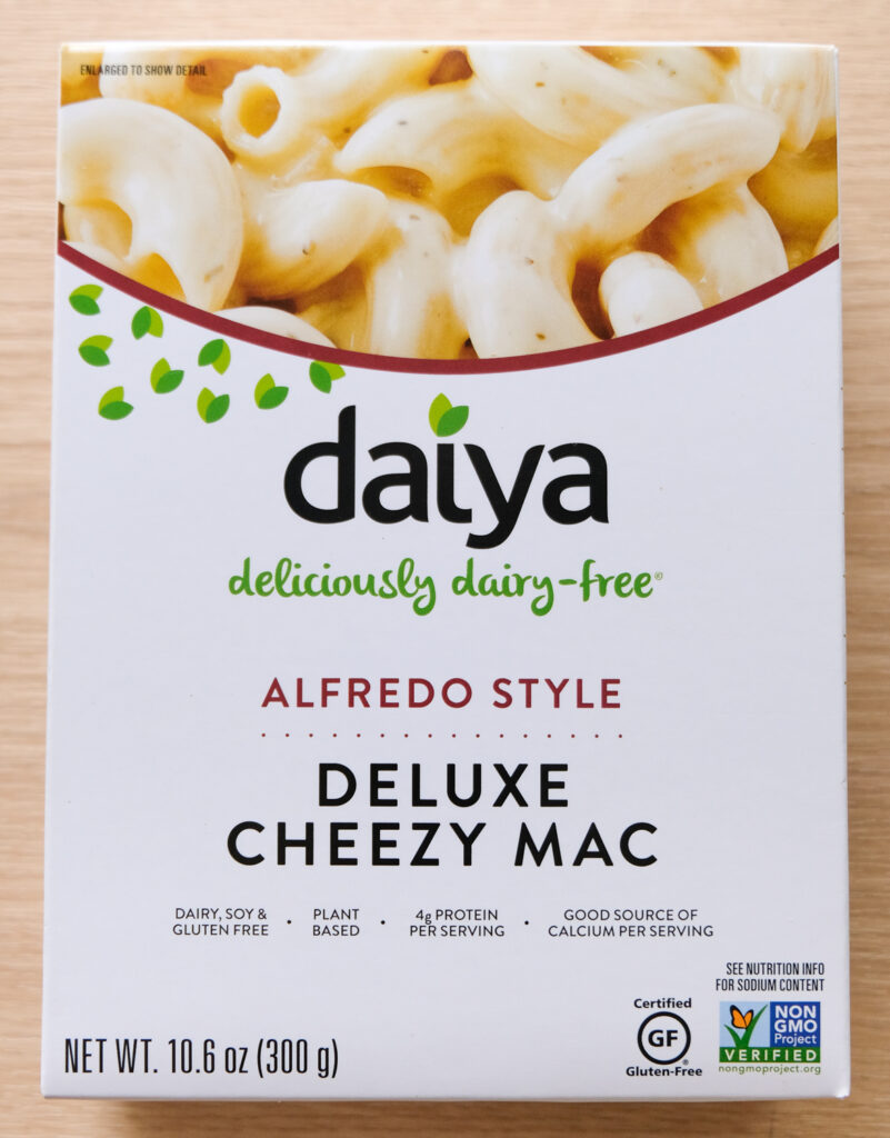 Daiya Alfredo Style Deluxe Cheezy Mac Box (Vertical Orientation)